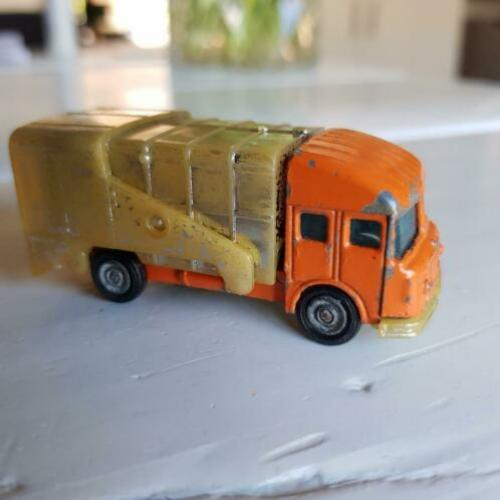 Corgi Juniors S&D REFUSE VAN